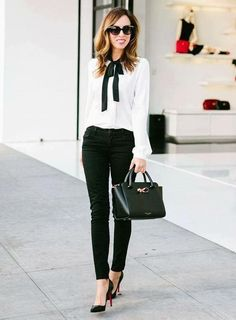 The Best Work Outfit Ideas for Women to Wear Year 2019 27 Business-Outfit 35 The Best Work Outfit Ideas for Women to Wear Year 2019 Summer Work Outfits, Casual Work Outfits, Business Casual Outfits, Mode Outfits, Work Casual, Spring Outfits, Women's Casual, White Outfits, Corporate Outfits