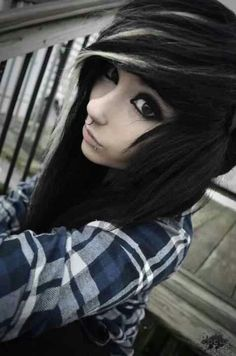 Emo Scene hair-I want to cut my hair like this! Style Emo, Style Rock, Scene Girls, Band Merch, Hot Topic, Nu Goth, Emo Mode, Cosplay, Goth Make Up