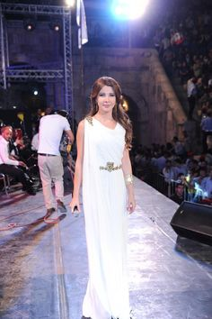 Nancy Ajram Arabic Muslim Celebrity Dresses 2017 New Fashionable Gold Appliques White Chiffon Long Evening Gown Rode De Soiree Celebrity Inspired Dresses, Celebrity Dresses, Nancy Ajram, Runaway Bride, Long Evening Gowns, White Chiffon, Polyvore Outfits, Love Fashion, White Dress
