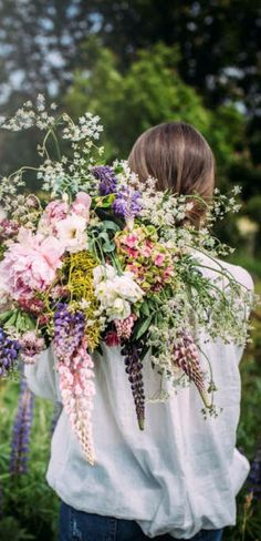 this bouquet of fresh flowers must smell heavenly Fresh Flowers, Wild Flowers, Beautiful Flowers, Exotic Flowers, Summer Flowers, Purple Flowers, Purple Wildflowers, Colorful Flowers, Pink Purple