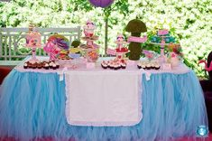 Alice in Wonderland Party by Maria of Sweets Indeed via www.babyshowerideas4u.com #babyshowerideas4u