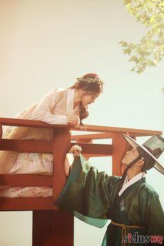 Korean Traditional, Traditional Outfits, Kim You Jung, Park Go Bum, Moonlight Drawn By Clouds, Cute Couple Cartoon, Wattpad, Japanese Drama, Korean Art