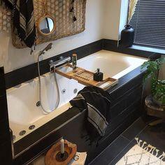 Badkamer inspiratie Corner Bathtub, Interior Design, Bathroom, Instagram, Nest Design, Washroom, Home Interior Design, Interior Designing, Full Bath