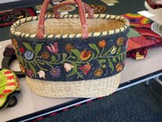 Rug Hooking Photos - Decorah Student Work - 4/2013 This looks like one by Suzy…