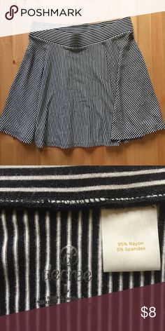 """Decree striped skater skirt Black and white striped skater skirt. Size large. Great condition. Approx 29"""" waist, 16"""" length. Decree Skirts Circle & Skater"""
