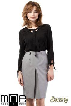 Ołówkowa spódniczka mini z zakładką marki MOE.  #cudmoda #moda #ubrania #odzież #clothes #spódniczki #rocke #kleidung