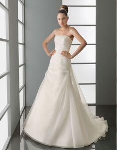 Modern strapless dropped waist tulle wedding dress