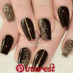 Black Gold Nails 19 Elegant Black Nail Art Designs that You'll Love - 19 Elegant Black Nail Art Designs that You'll Love Gold Nail Art, Black Nail Art, Glitter Nail Art, Glitter Gif, Black Art, Glitter Lipstick, Glittery Nails, Glitter Bomb, Glitter Paint