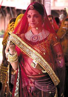 "Aishwarya Rai in the Bollywood film ""Jodhaa Akbar"" as The Mughal Empress, Jodha Bai Saris, Bollywood Fashion, Bollywood Actress, Bollywood Jewelry, Bollywood Saree, Indian Dresses, Indian Outfits, Pakistani Dresses, Anarkali"