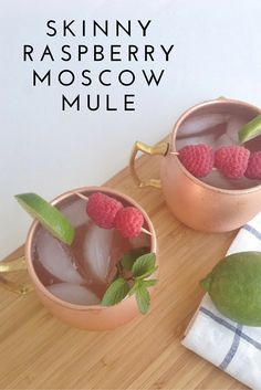 Skinny Raspberry Moscow Mule - Calling all raspberry lovers! Looking for a fun new cocktail to whip up? Well, I got ya covered. Serve up these Skinny Raspberry Moscow Mules