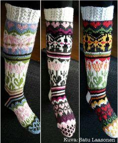 Paketti 10: Repolaiset, Sunnuntaisukat, Maanantaisukat, Sudäntalvisukat, Perholaiset Knitted Socks Free Pattern, Knitting Socks, Wool Socks, Leg Warmers, Mittens, Knit Crochet, Crafty, Accessories, Knits