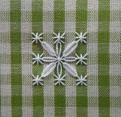 fiore-quattro-petali-doppi.jpg (2220×2158)