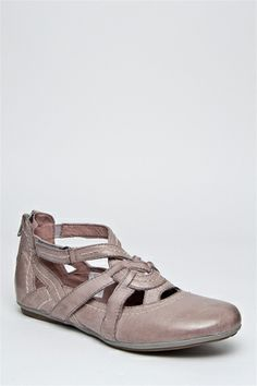 Bussola - Capri T-Strap Flat Shoe - Light Grey