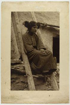 Frederick Monsen - [Unmarried Hopi Girl]