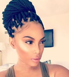 Gorgeous box braids on @msroshposh by @braidsbytamii  That highlight is everything  | #boxbraids #topknot #torontobraids #highlighter #contour #voiceofhair ========================== Go to VoiceOfHair.com ========================= Find hairstyles and hair tips! =========================