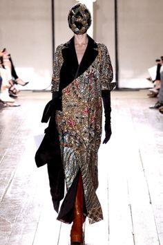 Неделя высокой моды в Париже. Коллекция Maison Martin Margiela Haute Couture сезона осень-зима 2013-2014