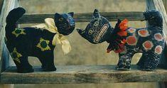 Primitive Halloween Pattern PDF  EPattern Black Cat Figurine Paperclay Clay Felt Crepe Paper Folk Art Folkart  Hickety Pickety AS22. $5.00, via Etsy.