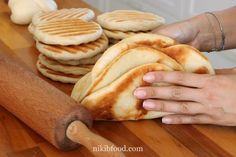 Quick Flatbread - A great trick for making quick and easy bread. Minimum oil and maximum taste! A perfect accompaniment to any meal. Easy Bread Recipes, Pastry Recipes, Cooking Recipes, No Carb Bread, Israeli Food, Israeli Recipes, Savory Pastry, Food Tasting, Bread Cake