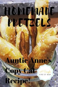 Impress everyone with these easy homemade pretzels that taste JUST like the expensive ones from the mall! Easy Smoothie Recipes, Snack Recipes, Cooking Recipes, Snacks, Soft Food Recipes, Homemade Soft Pretzels, Pretzels Recipe, Easy Pretzel Recipe, Alcohol Recipes