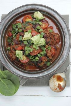 "Chilli Con Carne : Seriously the best chilli of my LIFE-- very simple but the lime and avocado give it a very ""fresca"" twist! YUM"