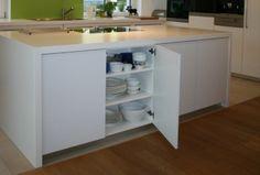 Küche mit klaren Formen - Mittelpunkt