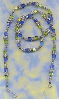 eyeglass chain Diy Necklace, Necklace Chain, Swarovski, Beaded Lanyards, How To Make Necklaces, Beaded Jewelry, Diy Jewelry, Jewelry Supplies, Earrings Handmade