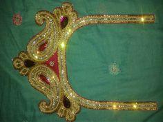 Blouse Neck Designs, Brooch, Crown, Jewelry, Fashion, Moda, Corona, Jewlery, Jewerly