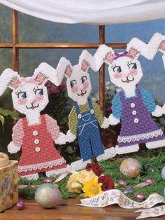 Plastic Canvas - Special Occasions - Easter Treats - Courtin' Bunnies - #FP00306