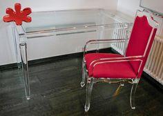 Acrylic furniture - Lucite Acrylic chair - Sedia in plexiglass trasparente. Modello: 800 - Scrivania in plexiglass. Modello: IMPERO - gambe in stile neoclassico, dimensioni cm.120 x 80 h.75 #lucite #design #homedecor #acrylic #chair