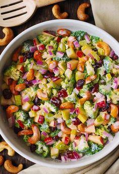 Apple Salad Recipes, Chickpea Salad Recipes, Healthy Salad Recipes, Healthy Foods, Broccoli Salad With Cranberries, Apple Broccoli Salad, Broccoli Cauliflower, Spinach Salad, Delicious Vegan Recipes