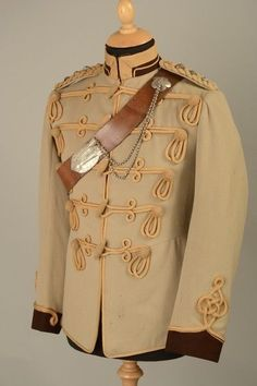 FASHION all day, every day. Military Costumes, Military Dresses, Military Uniforms, Male Costumes, Military Jackets, Military Clothing, British Army Uniform, British Uniforms, Historical Costume