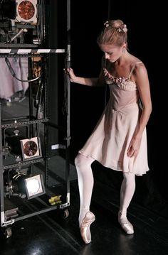 National Ballet of Canada Ballet Images, Ballet Photos, Alonzo King, Dance Dreams, Dance It Out, Ballet Photography, Ballet Beautiful, Ballet Dancers, Bolshoi Ballet