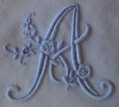 This embroidery is so beautiful! The skill and detail ... amazing!! Previous Pinner: A....