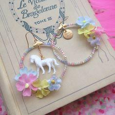ponyとお花のピアス。ponyは少しラメが入ってます。イヤリングにも替えられます。 - @michu_coquette- #webstagram
