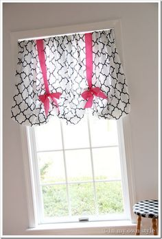 Sewing Curtains DIY fitted sheet turned valance - Adorable No-sew window treatment using a fitted sheet! How cute is this for a little girl's room. Such a clever idea! No Sew Valance, No Sew Curtains, Valances, Sheet Curtains, Rod Pocket Curtains, Window Drapes, Window Coverings, Window Treatments, Decoration Chic