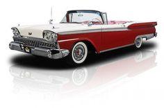 1959 Ford Galaxie Skyliner.