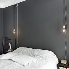 Gloeilamp in de slaapkamer