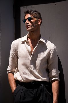 Milan Men's Model Street Style Spring 2018 by Poli Alexeeva Model Street Style, Spring Street Style, Summer Outfits Men, Stylish Mens Outfits, Only Shirt, Poses For Men, Gentleman Style, Men Looks, Ideias Fashion