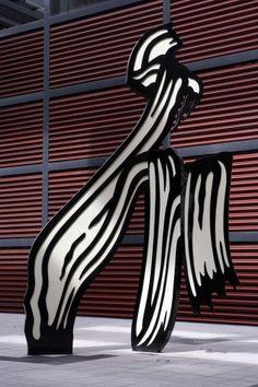 Roy Lichtenstein, sculpture of Brushstroke Reina Sofia, Madrid Cultura Pop, Roy Lichtenstein Pop Art, James Rosenquist, Modern Art, Contemporary Art, Claes Oldenburg, Brush Strokes, Andy Warhol, Installation Art
