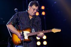 Vince Gill has announced his Vince Gill & Friends Tour, with Ashley Monroe, Charlie Worsham and Jenny Gill. Charlie Worsham, Ashley Monroe, Vince Gill, Country Songs, Cool Countries, Believe In You, Be Still, Awards, Men Casual