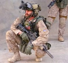 Delta Force operator Special Forces Gear, Military Special Forces, Military Units, Military Men, Us Army Delta Force, Delta Force Operator, Military Pictures, Special Ops, American Soldiers