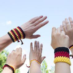 Armband Toride: Ein tolles Fan - Accessoire zum Selbermachen. Mit unserer ausführlichen Anleitung ein Leichtes für dich!