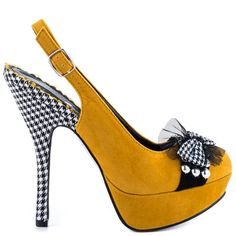 Catch fashion fever in the Caroline by Bettie Page. This pump has everything from hounds tooth accents to a soft yellow fabric upper. Funky Shoes, Fab Shoes, Dream Shoes, Women's Shoes, Guess Shoes, Me Too Shoes, Yellow High Heels, Yellow Pumps, Mustard Shoes
