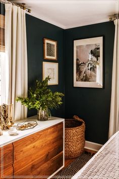 30 Awesome Modern Bedroom Decorating For Your Cozy Bedroom Ideas 2019 Master Bedroom ideas. The post 30 Awesome Modern Bedroom Decorating For Your Cozy Bedroom Ideas 2019 appeared first on Bathroom Diy. Farmhouse Master Bedroom, Cozy Bedroom, Master Bedrooms, Bedroom Bed, Navy Master Bedroom, Navy Bedrooms, Bedroom Corner, Small Bedrooms, Wood Bedroom Wall