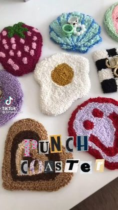 Fun Diy Crafts, Yarn Crafts, Arts And Crafts, Paper Crafts, Crochet Projects, Sewing Projects, Crochet Crafts, Funky Rugs, Punch Needle Patterns