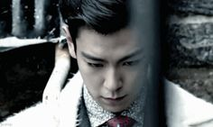 T.O.P (gif) that look *_*