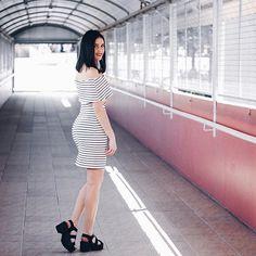 Apaixonada nesse look! Sou a doida das listras e esse dress da @menina_rosa conquistou meu ! E a sandália #tratorada deu um tchan né ? #ootd #lookdodia