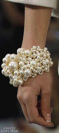 Chanel ~ Pearl Bracelet, Spring 2013 Fashion and Designer Style Chanel Pearls, Chanel Jewelry, Pearl Jewelry, Fashion Jewelry, Jewellery, Coco Chanel, Beaded Jewelry, Handmade Jewelry, Celebridades Fashion