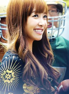 Victoria Song f(x) Smiling Beauty Ulzzang Fashion, Korean Fashion, Kpop Girl Groups, Kpop Girls, Korean Music, Korean Idols, Song Qian, Victoria Song, Korean American