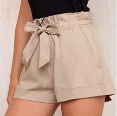 Elegante Shorts mit Tasche – Vestidos – Elegant Shorts with Pocket – Vestidos Short Elegantes, Elegante Shorts, Trousers Women, Pants For Women, Bermuda Shorts Women, Vestidos Zara, Sewing Shorts, Sport Outfit, Outfits Damen